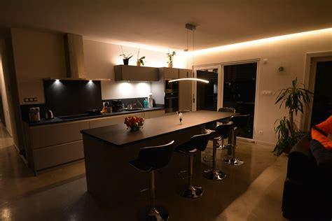 cuisine avec plan de travail en granit cuisine mat sans poignées avec plan de travail granit kök