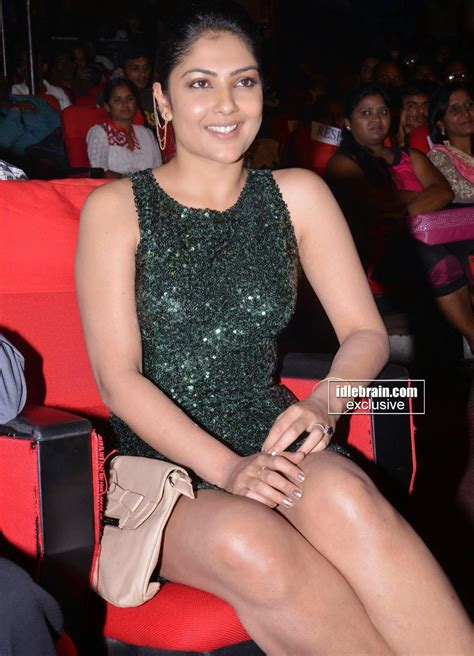 Skjl Kamalini Mukherjee M Short Hot At Gav Audio Launch