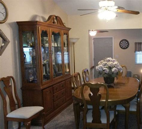 oak dining room set   pieces tablechairs