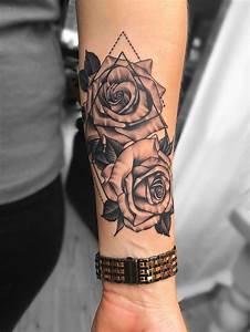 Tattoos Frauen Arm : rosen unterarm tattoo tattoo frauen bein pinterest tattoos sleeve tattoos und forearm tattoos ~ Frokenaadalensverden.com Haus und Dekorationen