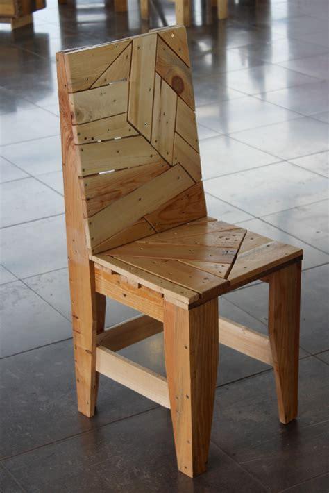 chaise palette chaise design en palettes recyclées hōme meubles