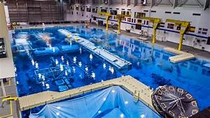 Swimming with spacemen: training for spacewalks at NASA's ...