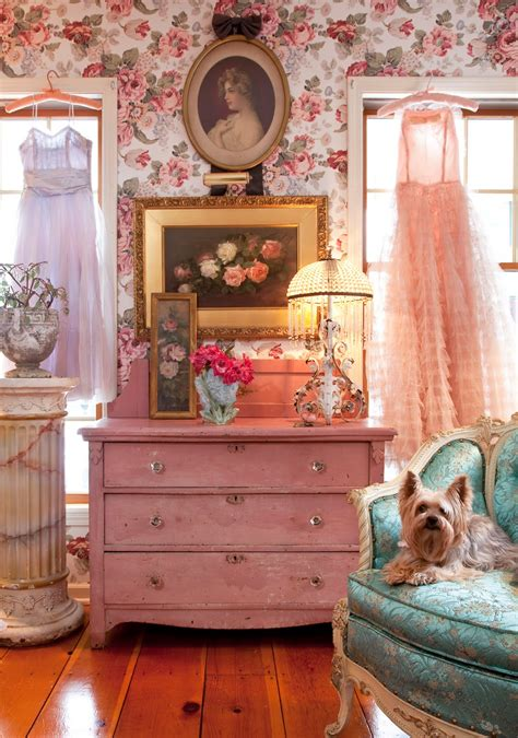 Pin Up Decor Blast from The Past with 13 Pretty Spaces