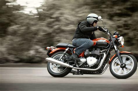 2012 Triumph Bonneville Se Review