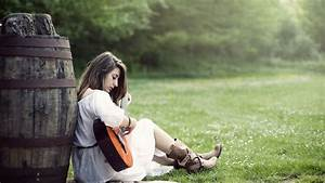 Wallpapers Girl With Guitar HD Download