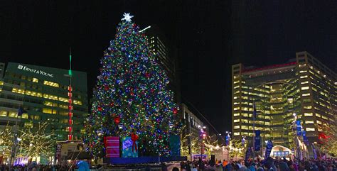 christmas tree lighting in cus martius opens downtown