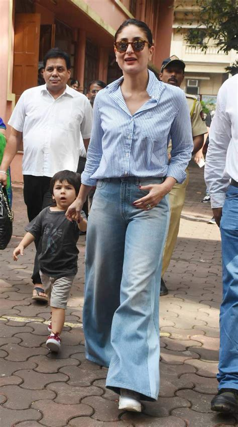 The sister duo looked stunning as ever when snapped by the paparazzi. Kareena Kapoor Khan arrives with son Taimur Ali Khan to ...