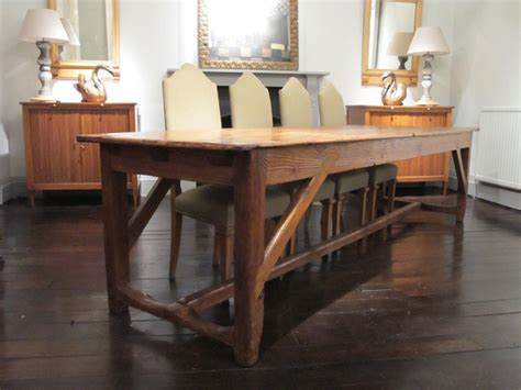 The Simple Farmhouse Dining Table   DesignWalls.com
