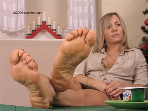 5 In Gallery Feet Mix 1044 Picture 3 Uploaded By