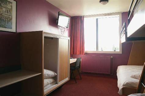 tv dans toutes les chambres photo de résidence