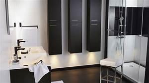 Des idees deco pour une salle de bains en noir et blanc for Image salle de bain noir et blanc