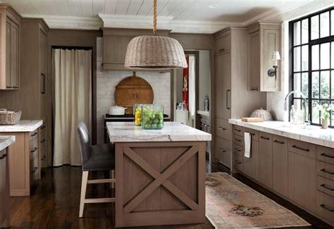 light brown kitchen cabinets cottage kitchen