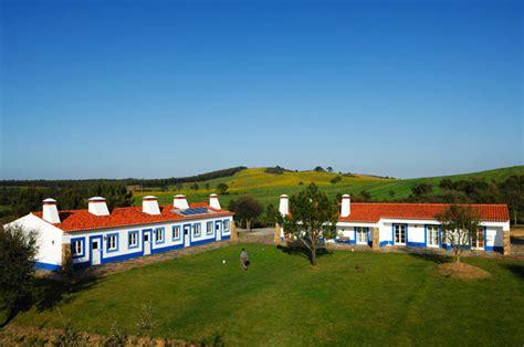 Hotels & Rural Tourism