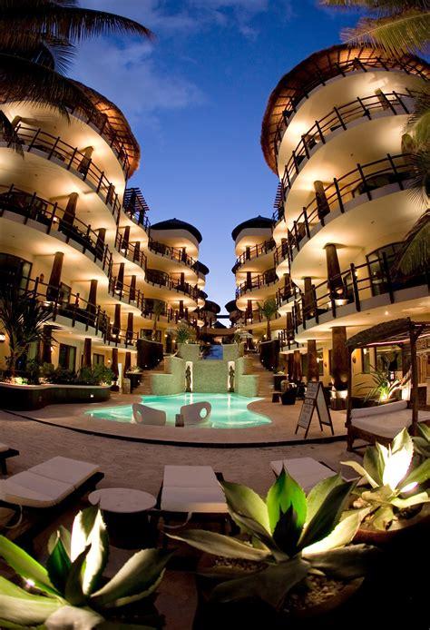 el taj oceanfront  beachside condo hotel voted  top