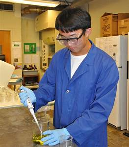 Uf Research Program Gives High School Students Lab Experience  Ifas Soil And Water Sciences