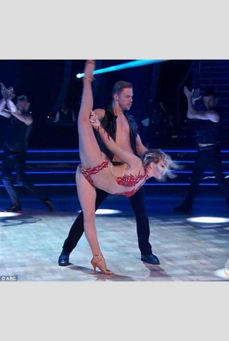 Julianne Hough goes from DWTS judging table to dance floor | Daily Mail Online