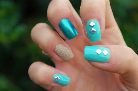 Stylish And Cool Nail Polish Designs For Girls 2015-16