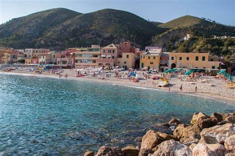 vacanze varigotti da noli a varigotti il meglio delle spiagge di ponente