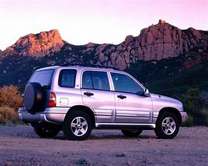 2004 Chevrolet Tracker Pictures History Value Research
