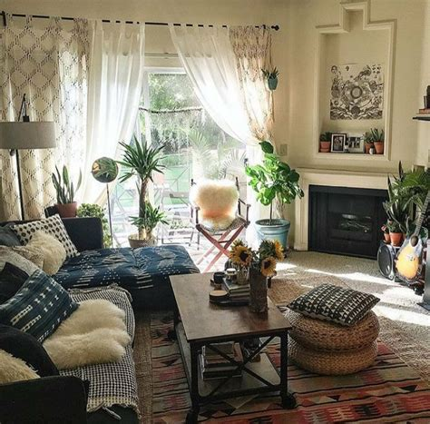 Earth Tone Living Room Ideas Pinterest by Best 20 Earthy Living Room Ideas On Pinterest Earth