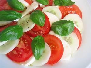 Gewächshaus Gurken Und Tomaten : tomaten gurken mozzarrella salat rezept mit bild ~ Whattoseeinmadrid.com Haus und Dekorationen