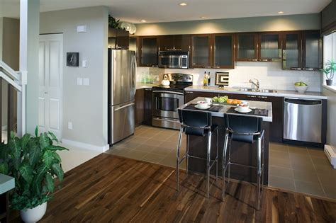 apartment kitchen remodel small apartment kitchen remodel ideas small kitchen Small