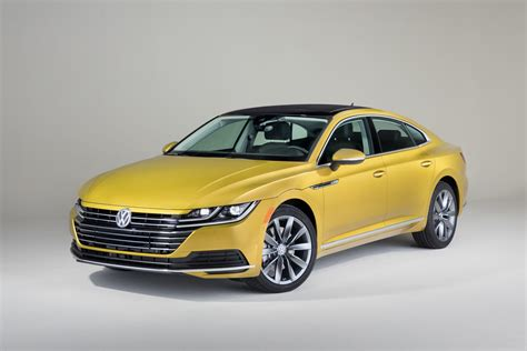 volkswagen arteon finally    debut