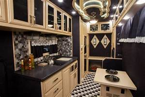what do luxury sleeper cabs for long haul truck drivers With do 18 wheelers have bathrooms