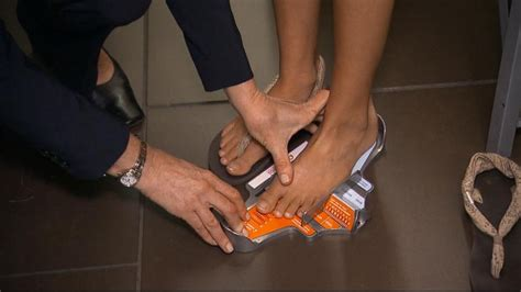 study    wearing wrong shoe size video