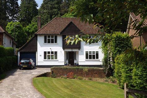 4 Bedroom Detached House For Sale In Harestone Valley Road