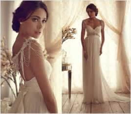 romantisches brautkleid ein romantisches brautkleid mit perlenbesetzten trägern