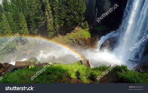 Waterfalls Rainbow The Vernal Fall Yosemite