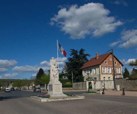 monument 224 amand montrond les monuments aux morts