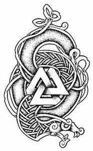 Symbole Mythologie Nordique : huginn and muninn rune huginn og muninn by ekrisshomaru on deviantart viking tatoveringer ~ Melissatoandfro.com Idées de Décoration