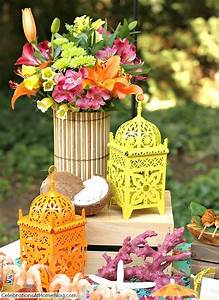 Entertaining : Tropical Themed Party Ideas + FREE