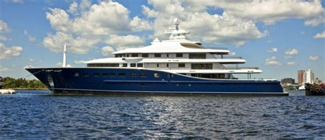 Biggest Charter Boat In The World by Derecktor Launch 85 M Motor Yacht Cakewalk The Largest In