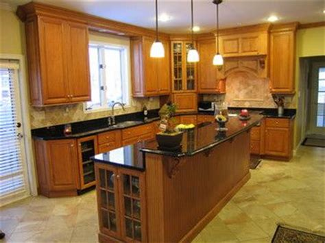 white cabinets with oak trim oak cabinets with white trim for the home pinterest 334 | 4965415da331c886be882f5671d6f813