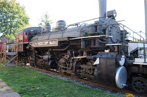 File:U.S. Plywood Corp train engine 01.jpg - Wikimedia Commons