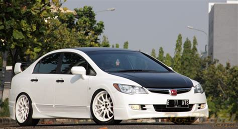Honda Civic 2002 Modifikasi by Modifikasi Honda All New Civic Putih Modif Mobil