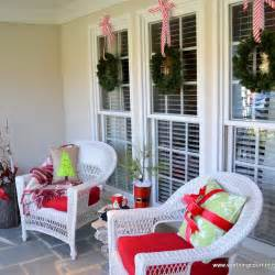 46 beautiful christmas porch decorating ideas style estate