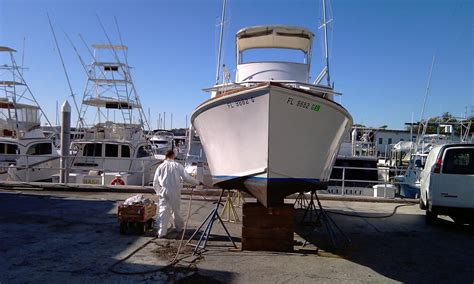 Applying Bottom Paint New Boat by 1962 28ft M E M C O Sportfisher Restoration Page 4
