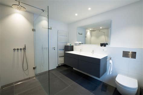 Badezimmer Neu Gestalten Dusche Waschtisch Wc Duschbad Referenz Garching Heimwohl Muenchen Zu
