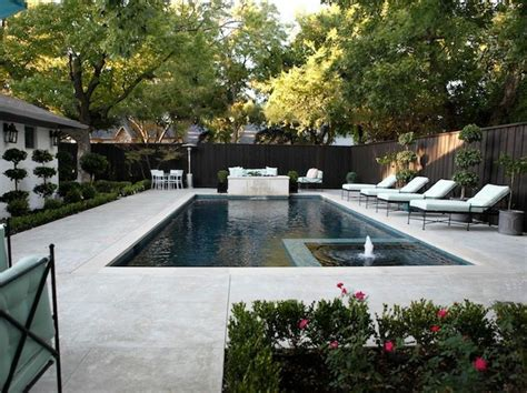 idees damenagement dun entourage de piscine