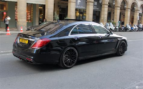 This time it's about the same model but in a different color. Mercedes-Benz Brabus 850 6.0 Biturbo V222 - 30 September 2017 - Autogespot