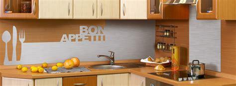revetement mural plastique cuisine crédence déco revêtement mural décoratif pour plan de