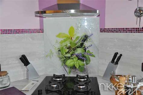 verre de cuisine crédence de cuisine en verre imprimé nikkel