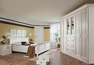 Schlafzimmer 3 malta kleiderschrank in kiefer massiv wei for Schlafzimmer malta