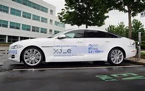 Hybride Auto Rechargeable : jaguar xj e premi re hybride rechargeable guide auto ~ Medecine-chirurgie-esthetiques.com Avis de Voitures