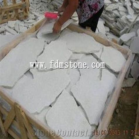 White Paving Stones by 17 Best Ideas About Flagstone Paving On Paving
