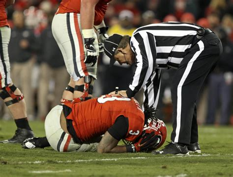 georgia rb todd gurley suffers torn acl chicago tribune